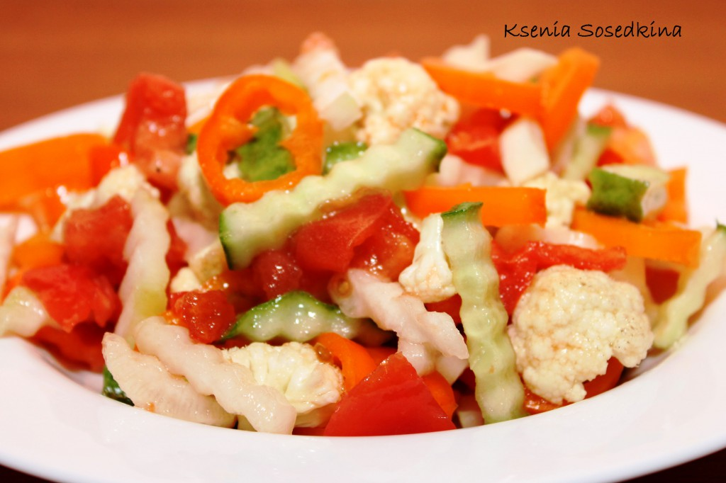 Салат из цветной капусты сырой