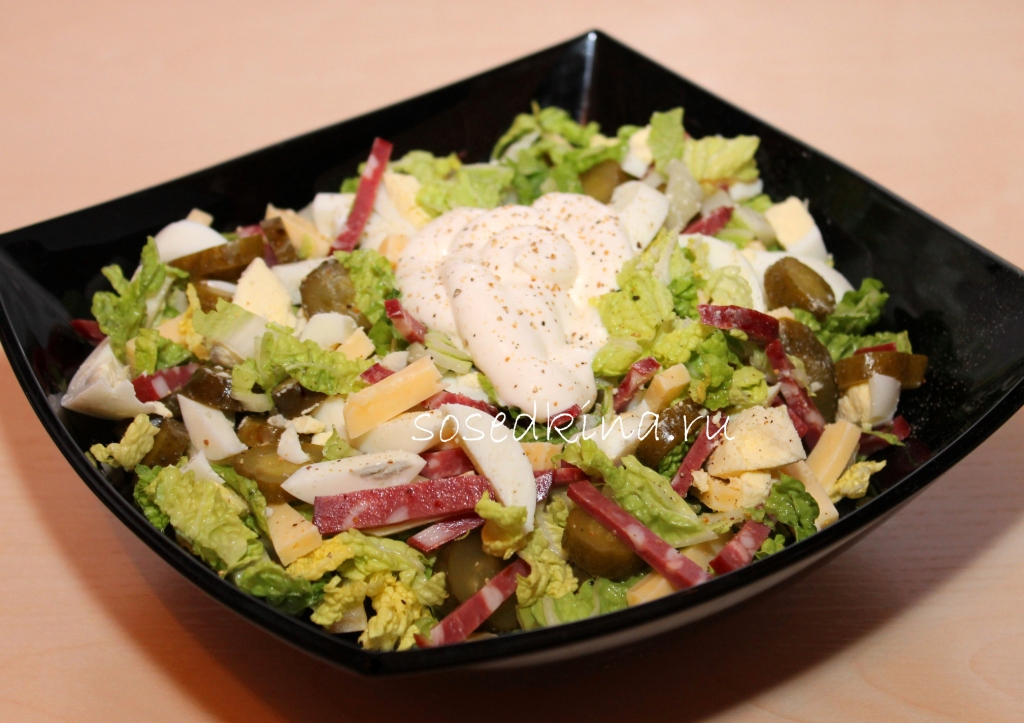 Салат с чипсами и пекинской капустой